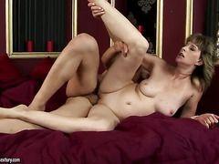 порно старушек ебут в жопу