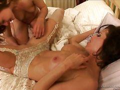 секс мамочек с молодыми парнями